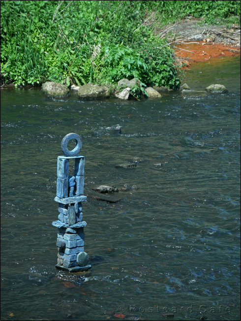 1. River sculpture by Dan | River Don Sheffield | 10 May 2017 | © Postcard Cafe | SP1020455E