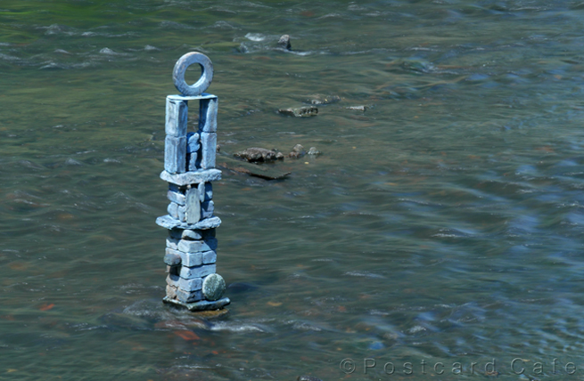 2. River sculpture by Dan | River Don Sheffield | 10 May 2017 | © Postcard Cafe | SP1020460E