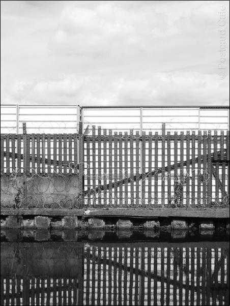 Vertical Hold #7 | Sheffield 2017 | © Postcard Cafe |