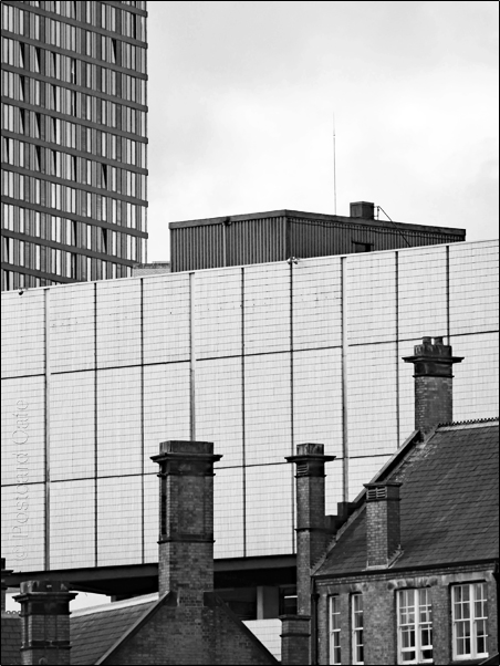 Vertical Hold #9 | Sheffield 2017 | © Postcard Cafe | SP1030294E