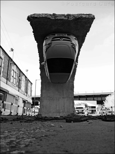 1. Pick Yourself Up And Pull Yourself Together | 2017 | Alex Chinneck | © Postcard Cafe | SP1030394E B&W