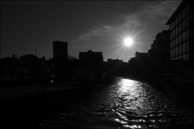 River Don towards Lady's Bridge | © Postcard Cafe 2019 | SDSC01215 (1)