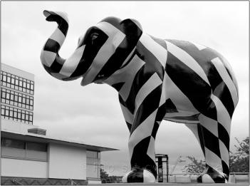 2. 2010 – 2020 Retrospective | Sculptural | Razzle Dazzle 'em Lizzie by Robert Hurst July 2016